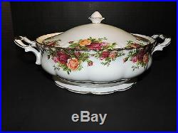Royal Albert Old Country Roses (1) 9 Inch Round Covered Veg. Bowl with Lid