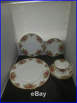 Royal Albert Old Country Roses 20 Pc Place Setting Bone China England withBox 1962