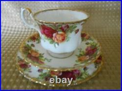 Royal Albert Old Country Roses 21 Pc English Bone China Tea Set