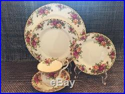 Royal Albert Old Country Roses 25pc Set. 5-5pc Place Settings