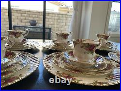 Royal Albert Old Country Roses 30 Piece 6 Place Setting Bone China