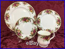 Royal Albert Old Country Roses 32-Piece Set for EIGHT