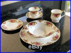 Royal Albert Old Country Roses 45 Piece Bone China Dinner/Tea Set