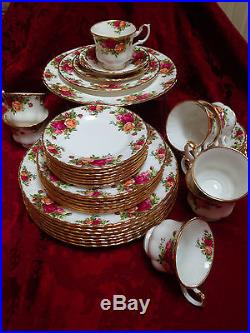 Royal Albert Old Country Roses 8 Place Settings, 5 pieces each. Made England