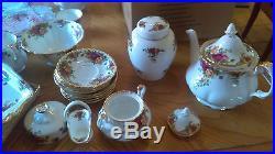 Royal Albert Old Country Roses China Set 80 Pieces
