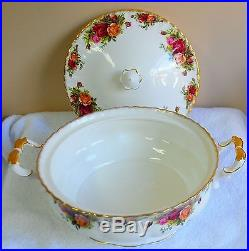 Royal Albert Old Country Roses Covered Casserole Vegetable Dish England