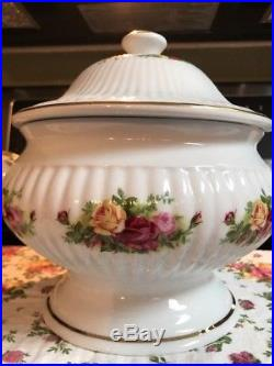 Royal Albert Old Country Roses Covered Soup Vegetable Tureen withSide Handles NIB