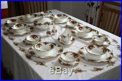 Royal Albert Old Country Roses Dinner service The perfect wedding present