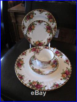 Royal Albert Old Country Roses Dinner ware. Five piece setting for Six