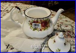 Royal Albert Old Country Roses Holiday Tea Pot NWT