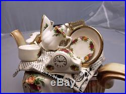 Royal Albert Old Country Roses Large Moving Day Teapot Paul Cardew, Gift Idea