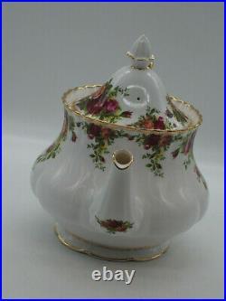 Royal Albert Old Country Roses Large Tea Pot- English c. 1962