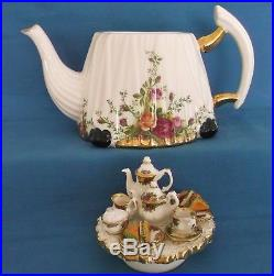 Royal Albert Old Country Roses Large Teapot Victorian Tea Table England Rare