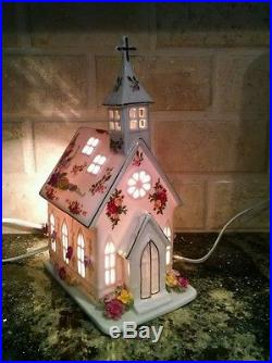 Royal Albert Old Country Roses Lighted Church