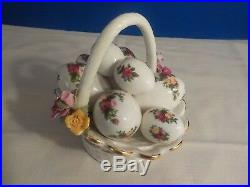 Royal Albert Old Country Roses Musical Easter Egg Basket RARE