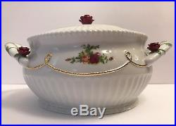 Royal Albert Old Country Roses Round Covered Vegetable Dish Gold Rope Handles 8
