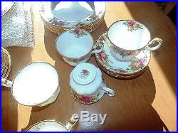 Royal Albert Old Country Roses Service for Eight 51 Pieces