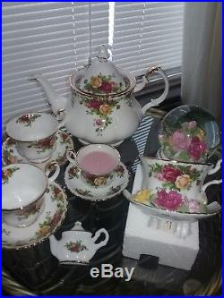 Royal Albert, Old Country Roses Tea Pot 2 Cups 2 Sauc Nite Light Sn Globe Candle