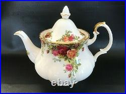 Royal Albert Old Country Roses Tea pot in excellent condition