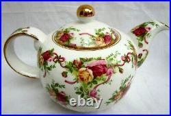 Royal Albert. Old Country Roses. Teapot & 4 Mugs / Cups. Mint