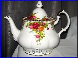 Royal Albert Old Country Roses- Teapot Royal Albert Bone China England