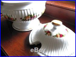 Royal Albert Old Country Roses Tureen 7 3/4 x 6 Excellent Used Condition