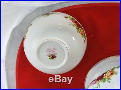 Royal Albert Old Country Roses Tureen Covered with 4 bowls