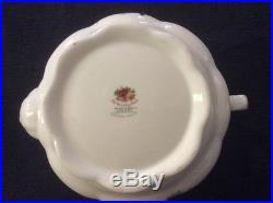 Royal Albert Old Country Roses, companion Tea pot 1962