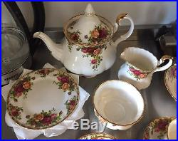 Royal Albert Old Country Roses complete 40 piece set