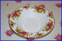 Royal Albert Old Country Roses set 12 rimmed Soup Bowl