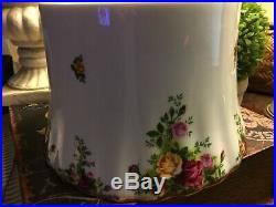 Royal Albert-Tissue Holder-Old Country Roses-VERY RARE! -Royal Doulton-FREE SHIP