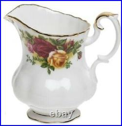 Royal Albert by Wedgewoo Old Country Roses 3 Piece Tea Set Brand New in Gift Box