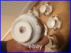 Royal Albert old country rose genuine tea pot (chip) set cake plate sugar bowl