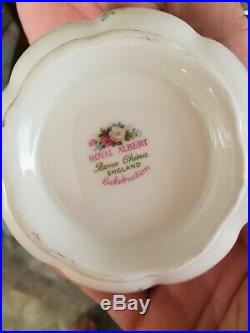 Royal albert bone china england 1969 celebration. Place setting of 4