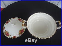 Royal albert old country roses lidded tureen vegetable bowl england