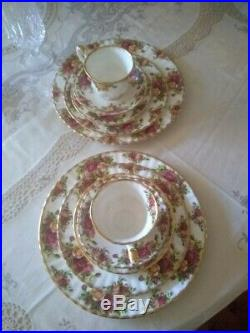 Royal albert old country roses made in england 1962 40-Piece Dinnerware Set for8