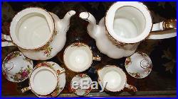 Set TEAPOT COFFEE POT SUGAR CREAM TEA CUP old country roses Royal Albert ENGLAND