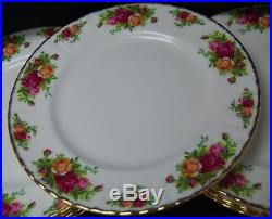 Set of 9 Royal Albert Old Country Roses 10-3/8'' Dinner Plates with Case S7834