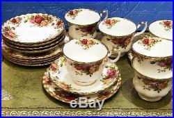 Vintage Royal Albert Old Country Roses 18 Piece Tea Set