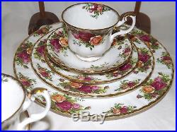 Vintage Royal Albert Old Country Roses 40 pc Dinnerware Set Service for 8