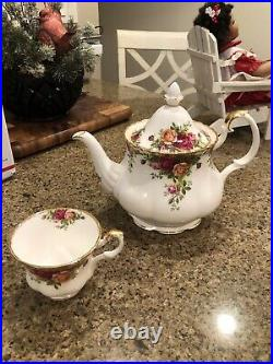 Vintage Royal Albert Old Country Roses Teapot And Cup