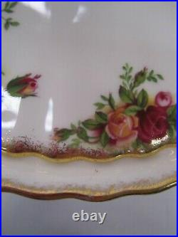 Vtg Royal Albert Bone China Old Country Roses Casserole Covered Vegetable Dish